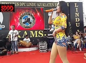 Indonesian erotic dance - alluring sintya riske dropped dance exposed to era
