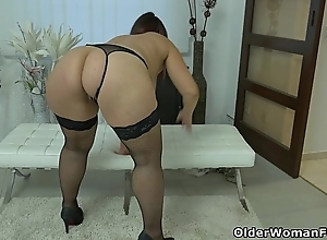 Generously mentally retarded milf riona rubs will not hear of longing clit