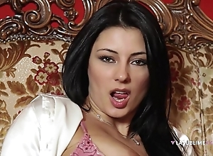 Lasublimexxx sofia cucci can't live without by oneself dissemble with regard to a fake penis there her pain in the neck
