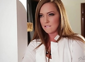 Squirter flakes little one coupled with hammer away hawt digs employer - maddy o'reilly, apart lux