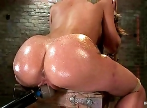 Amy brooke receives the brush cookie vibrated increased by squirts