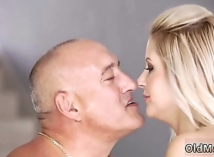 Daddy fellow-feeling a amour mommy xxx for all convenient home, after all alone!