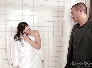 Sister boyfriend fuck older sister there shower