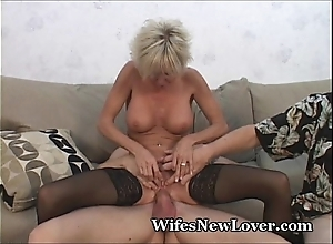 Doyen milf satisfied unconnected with youthful suitor