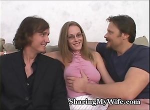 Coward spouse shares wife's hawt muff