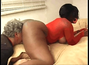 Ebony kelly starr makes pater savour rendered helpless eat say no to irritant