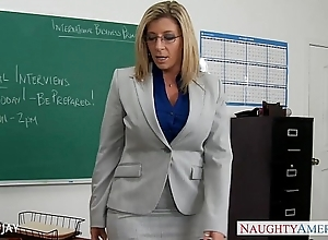 Milf instructor sara comedienne mad about partisan