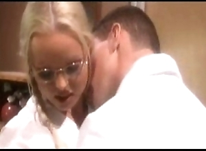 Silvia saint keeping - voices